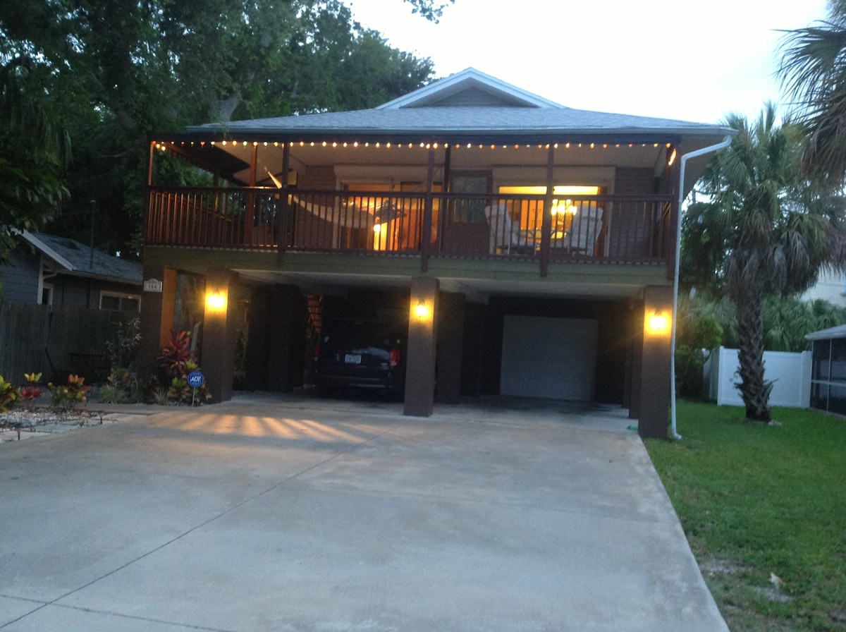 3/2 Home w/ Garage...Walk To Beach!