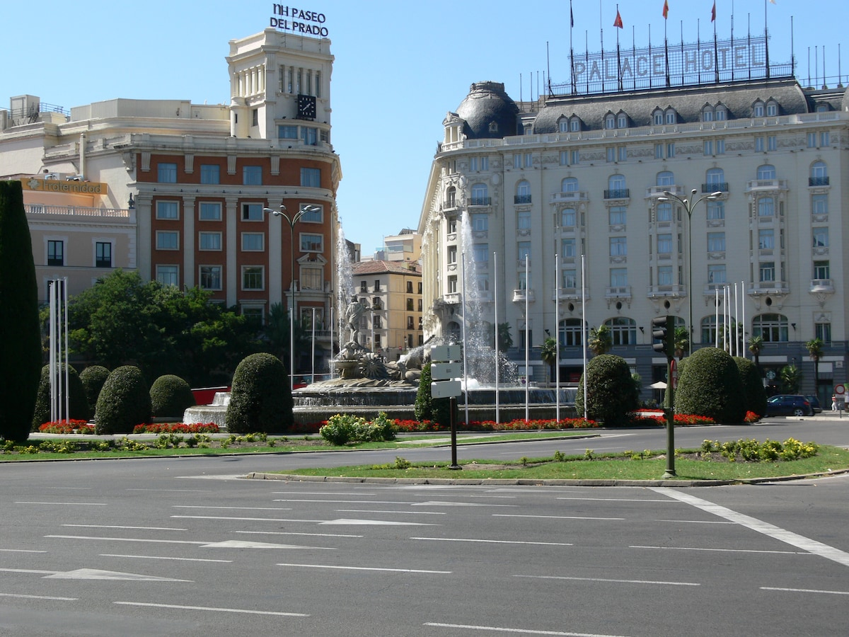 View of Appartment from Ritz Hotel across Neptuno Square