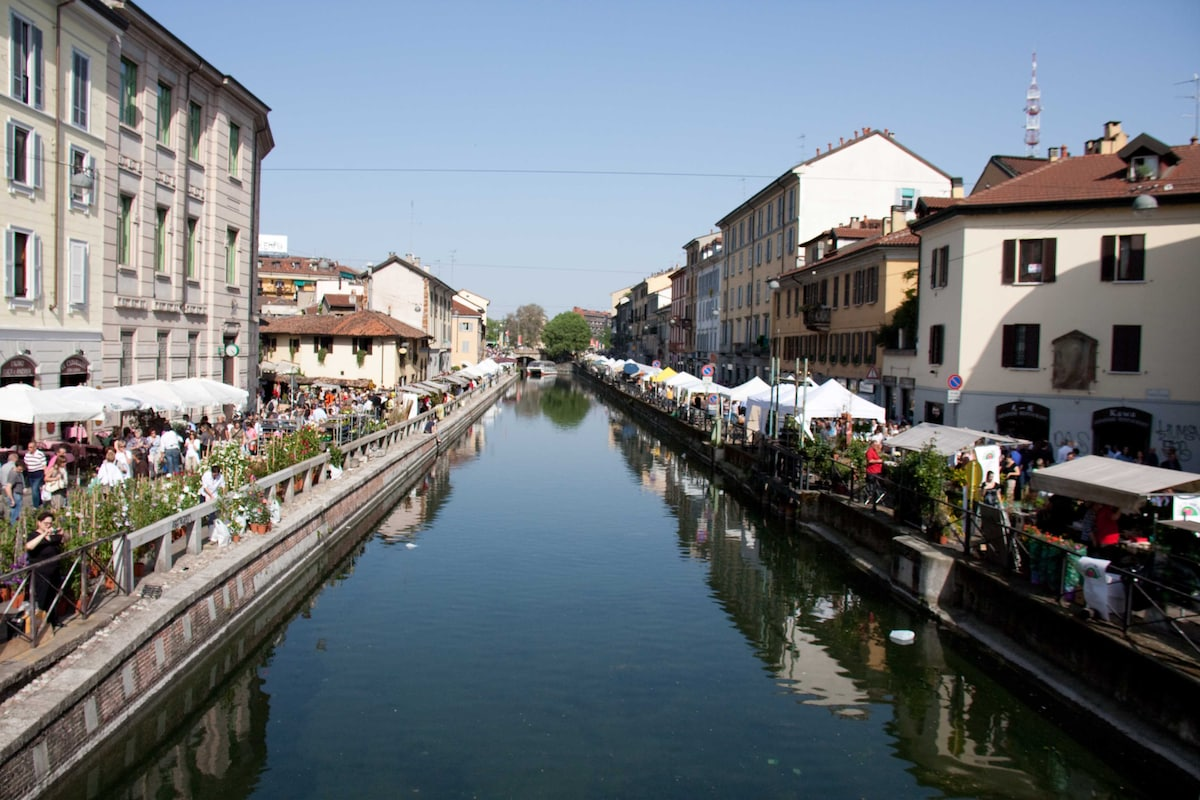 the neighborhood: navigli district