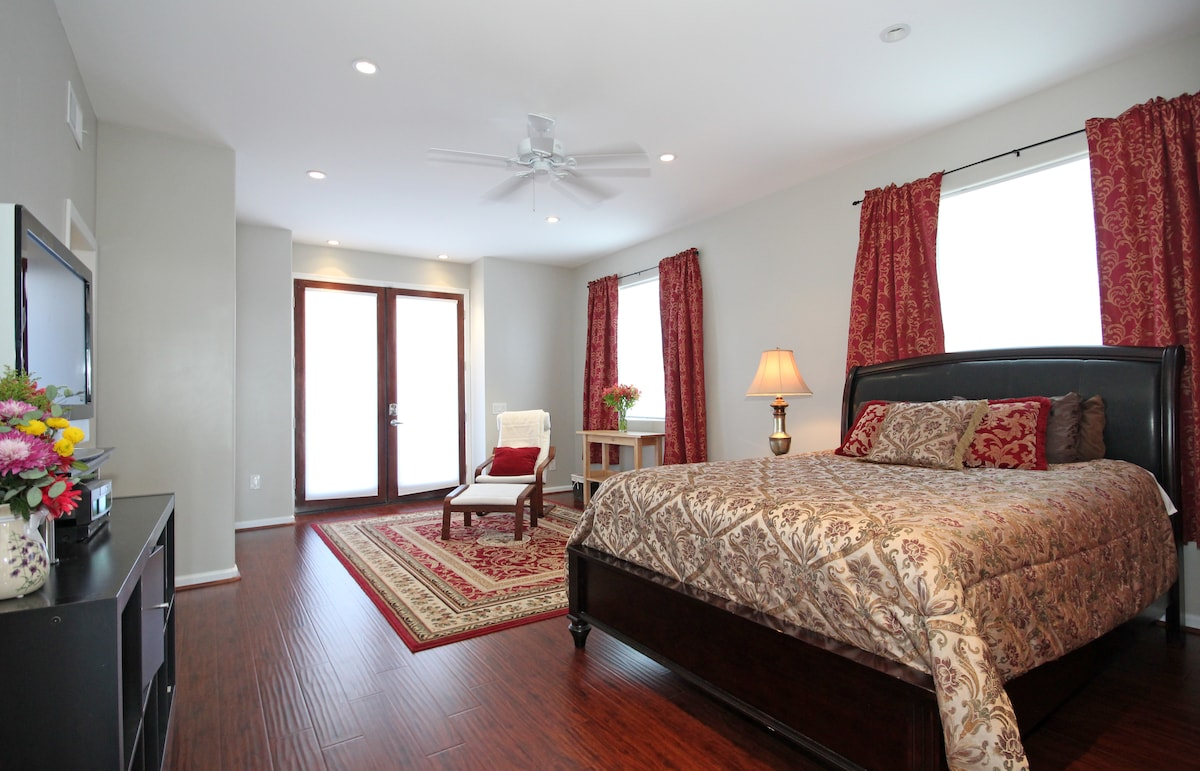 Private Entry, Master bed & bath