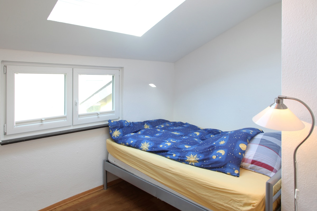 Schlafzimmer in der Gaube - bedroom in dormer