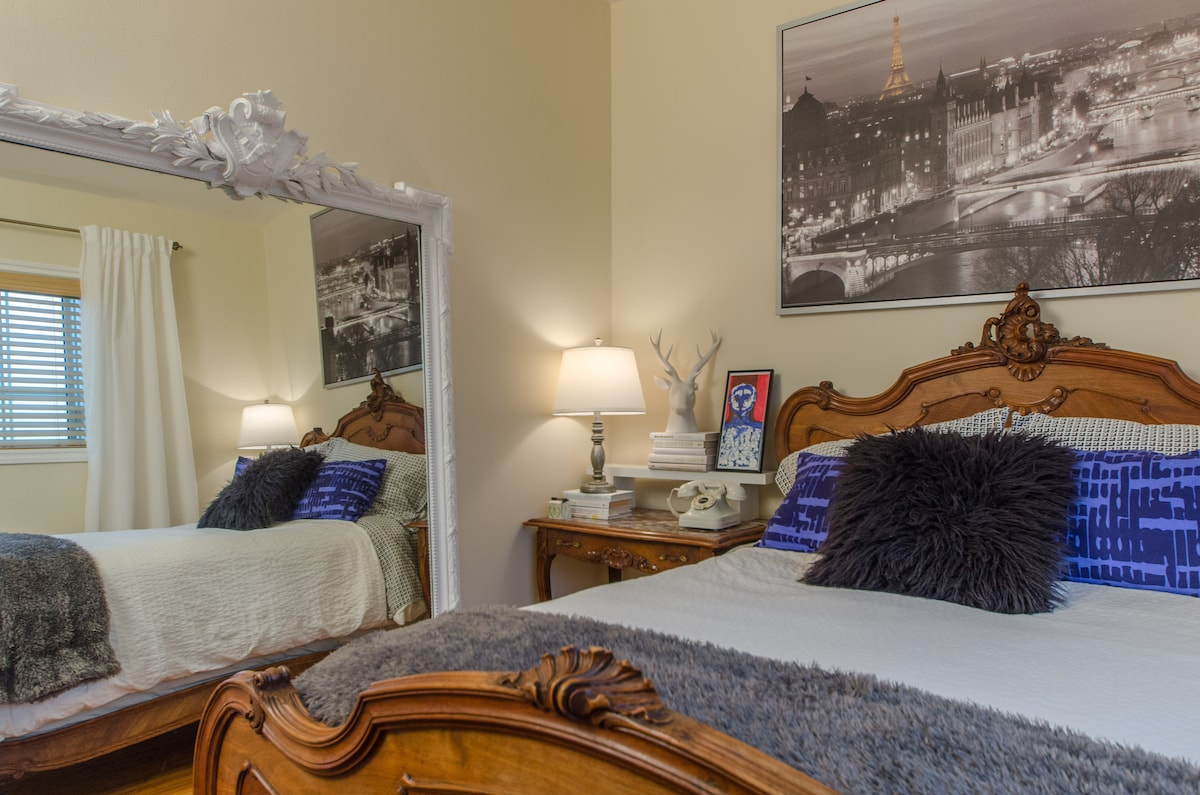 Bright, relaxing, well appointed guest room