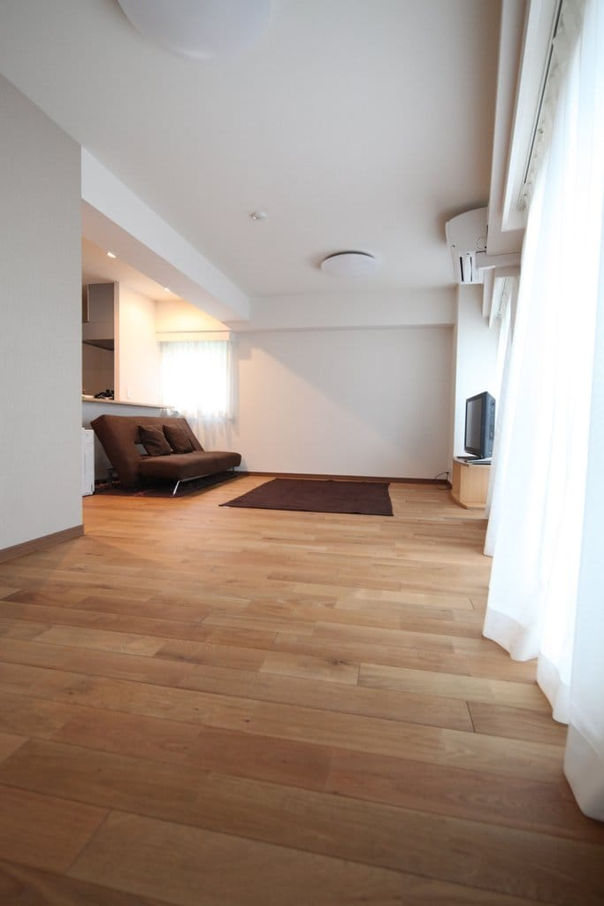 Large Private Apt, Newly Renovated!