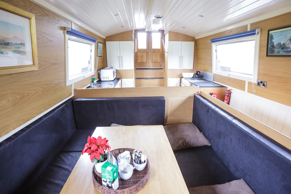 XRelaxing Boating Retreat, sleeps 9