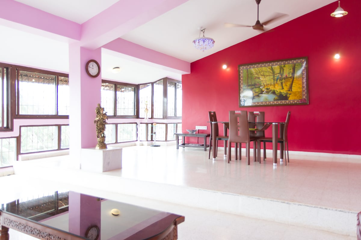 Goa pet friendly stay with a family