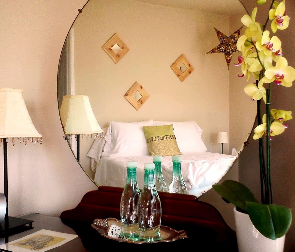 ...another view of the guest room...decor throughout the home has been updated since photos...