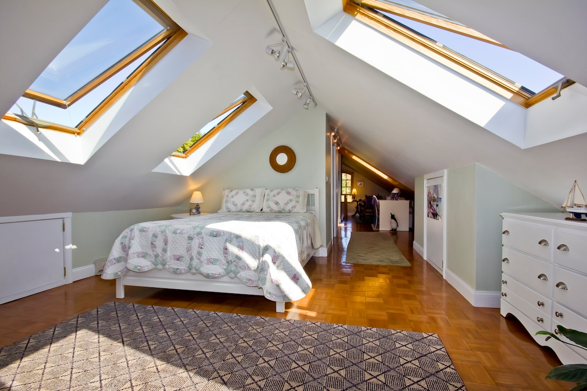 Bright, airy loft for your relaxation and enjoyment.