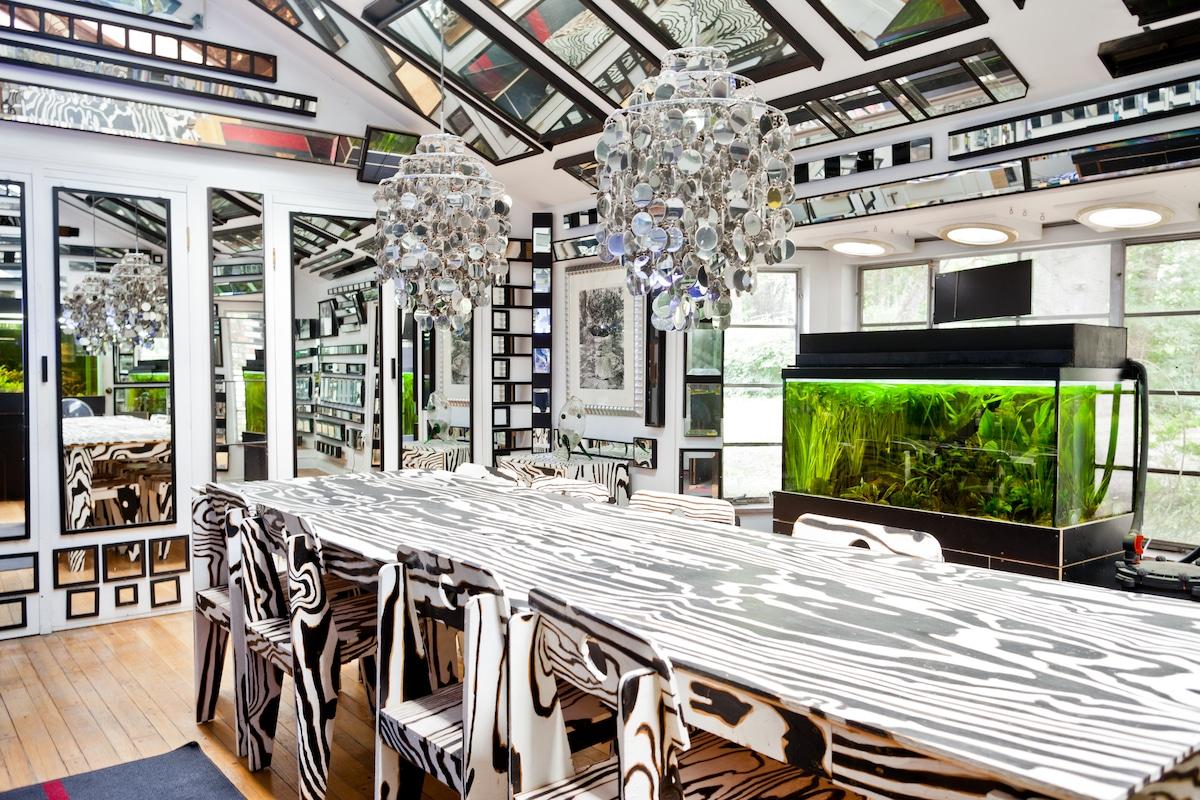 Unique artist mirrored house