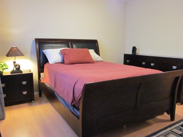 Spacious bedroom with draws and closet for your belongings.