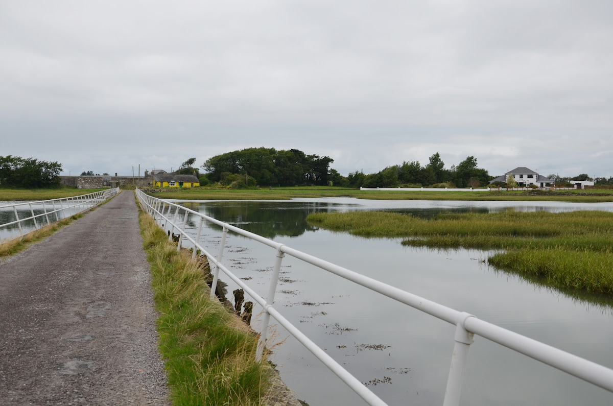 The bridge into the Island!