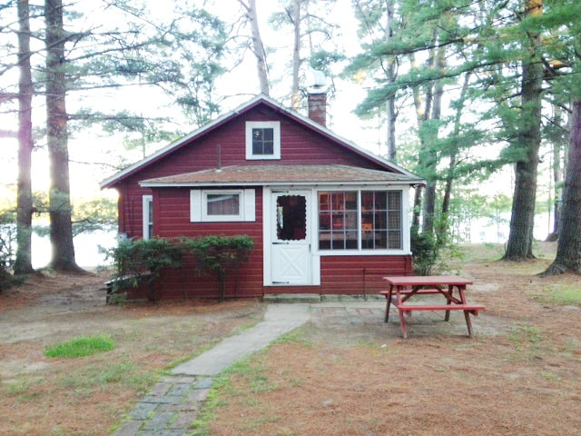 Lakefront cottage, Standish, ME