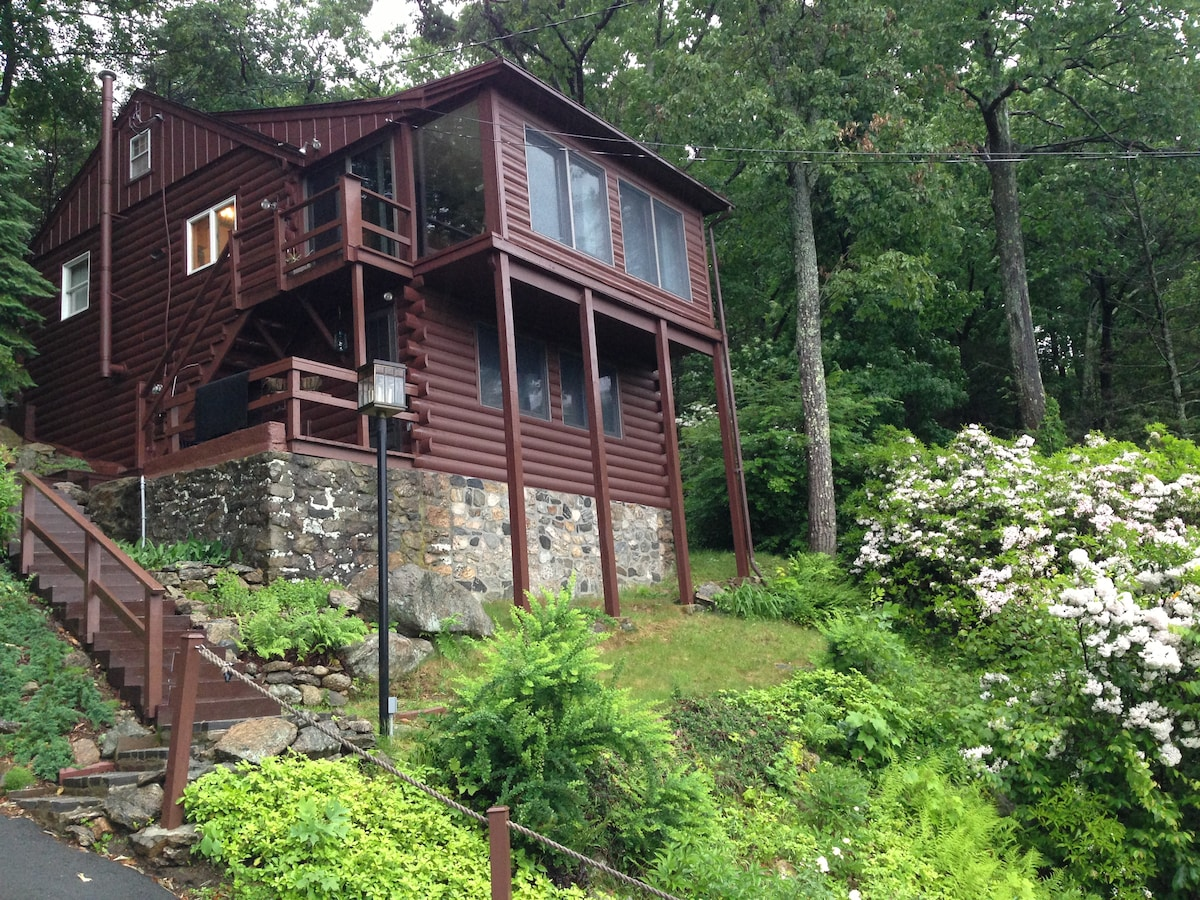 Candlewood Lake Cabin Amazingviews In New Fairfield