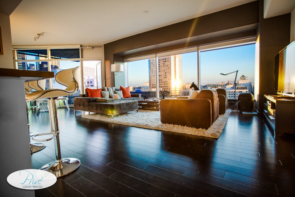 Downtown La Luxury 2 Bedroom Suite I Los Angeles