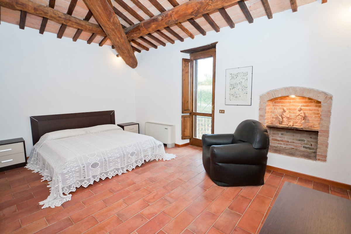 APT IN A XVII CENTURY COUNTRY HOUSE