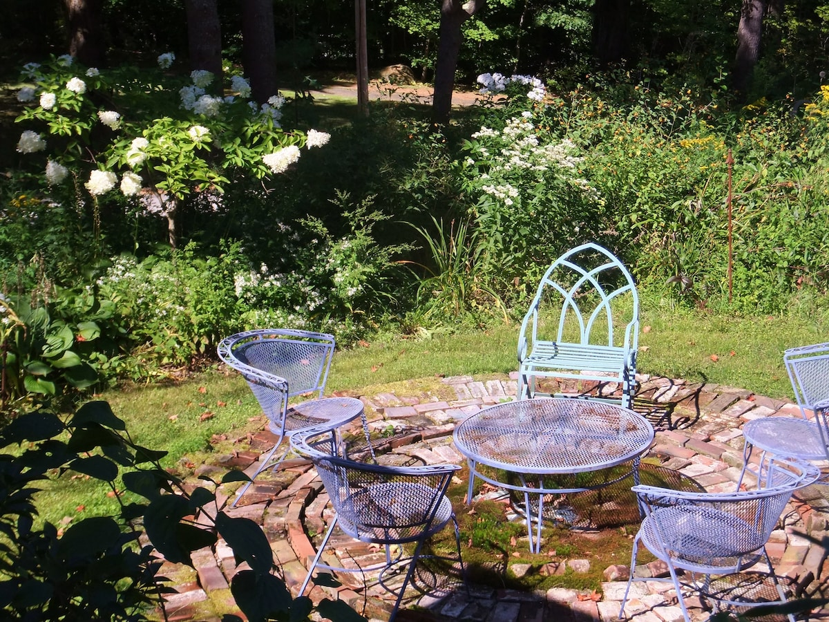 Have a seat in one of the many areas of the garden to enjoy.