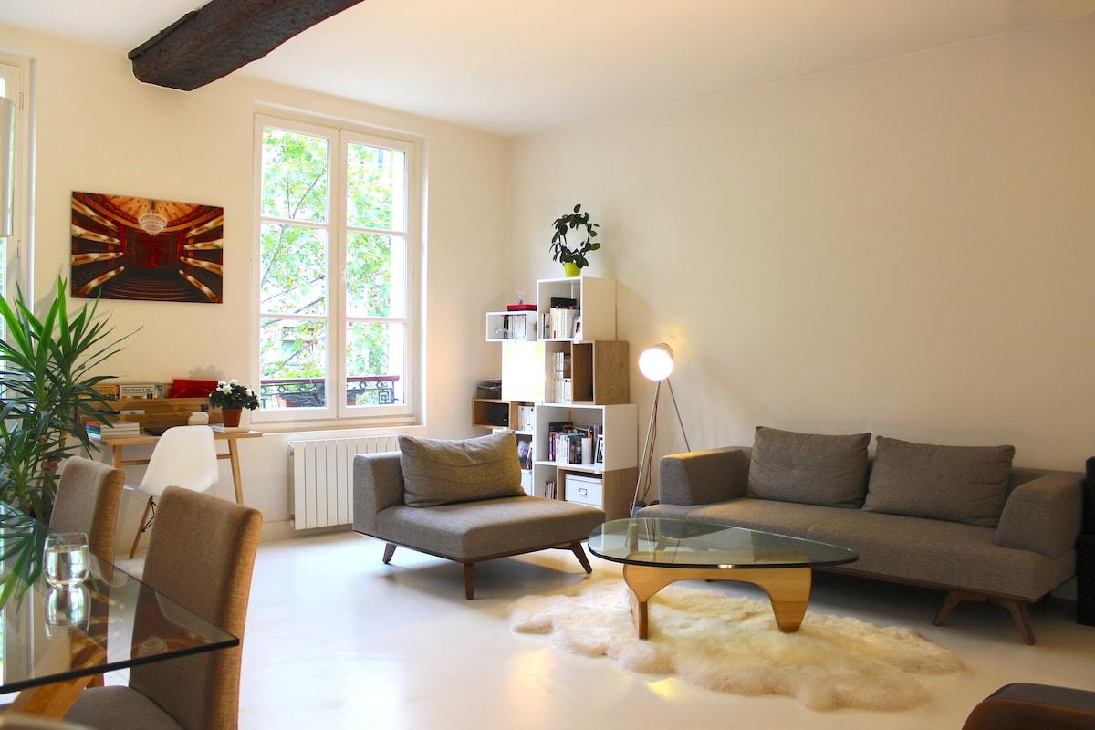 Beaubourg-Marais central 3 room apt