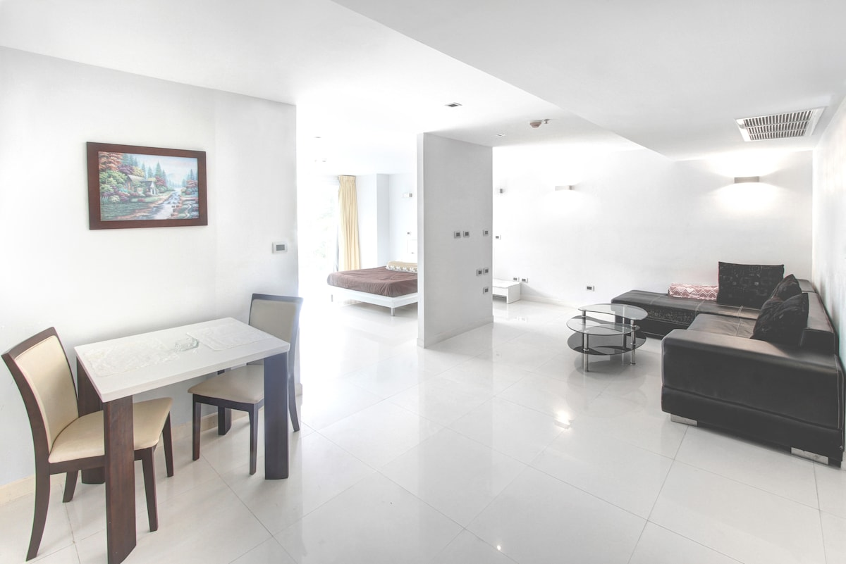 Spacious 2-bed in Pattaya Heights