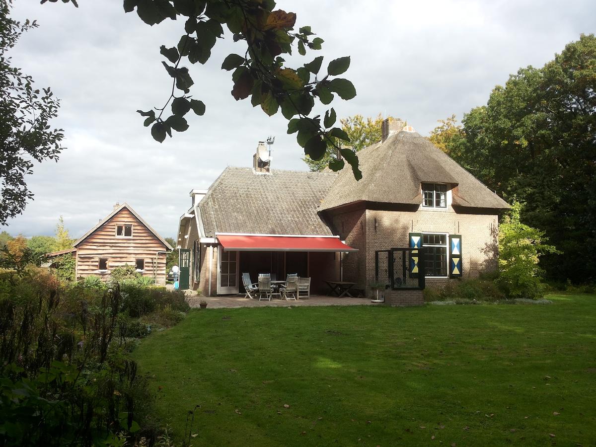 "Private Estate ""De Kleikamp"" with swimmingpool"