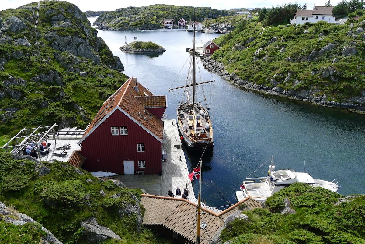 Haugesund Norway  city images : Hus på Røvær Haugesund Norway in Haugesund