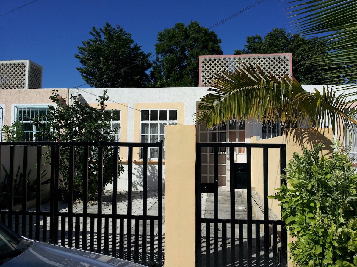 2 Bedroom House in Puerto Morelos