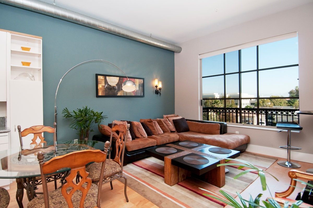 Fully furnished condo with every thing you need.