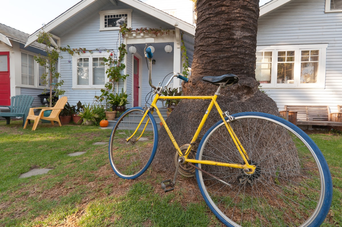 One of five complimentary bikes available to guests.