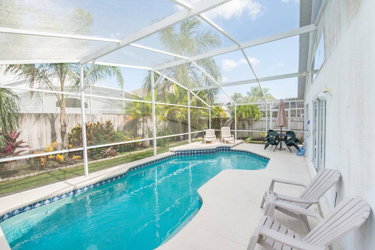 5BR 3BA pool villa/privacy fence,