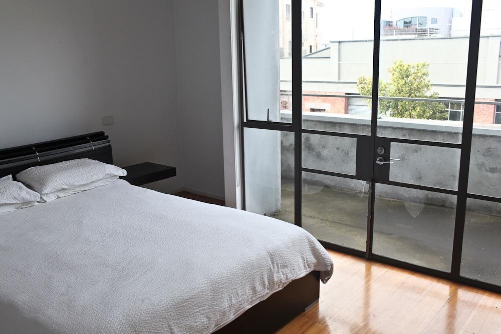 Inner City Apartment & Queen Bed