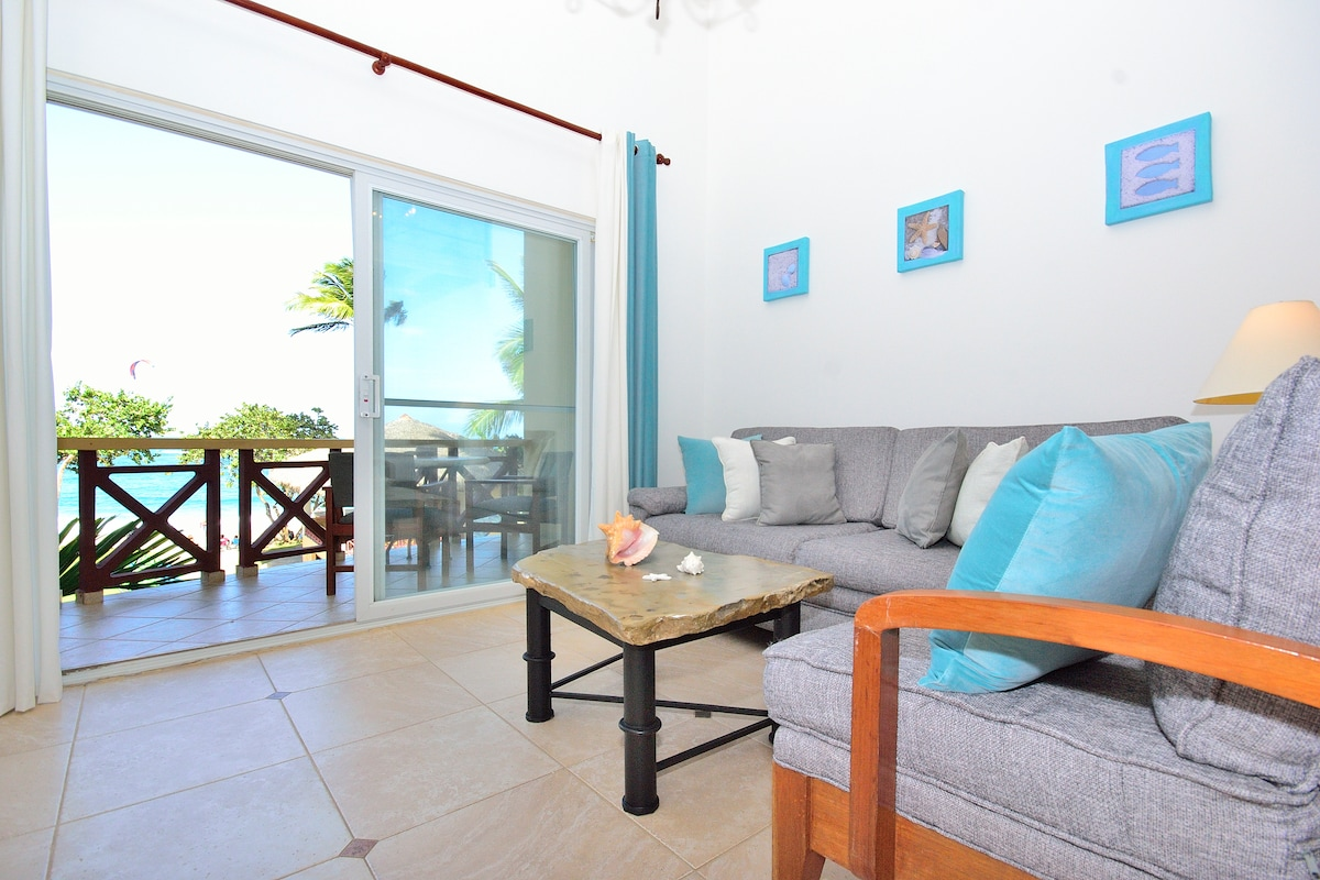 Luxury Beachfront Loft @ KITEBEACH