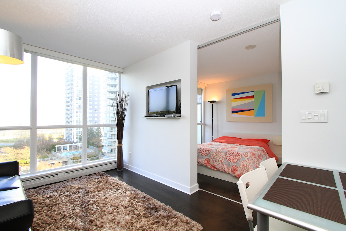 Brand New Modern Condo with a View