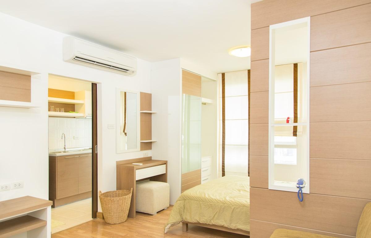 Cozy Room near MRT/WiFi+Pool+Gym