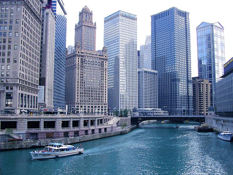 Close to downtown + You won't regret the Architect boat tour