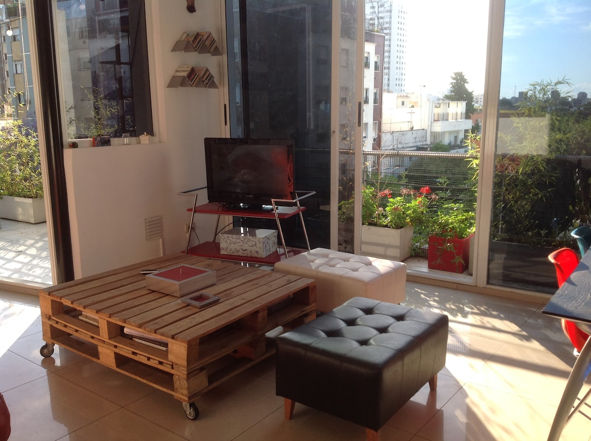 BEAUTIFUL DUPLEX IN COLEGIALES!!