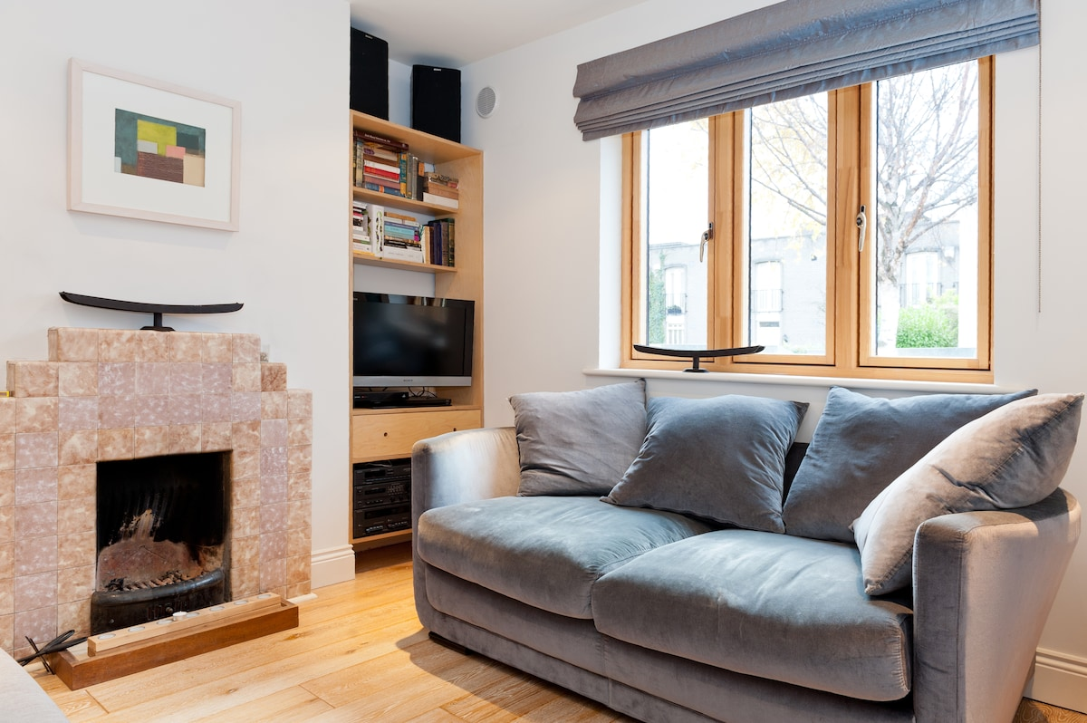 Enjoy an open fire, fast, unlimited wi-fi, satellite TV, DVDs, stacked iPod on Sony sound system