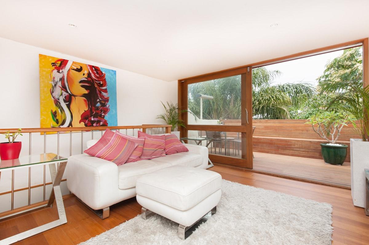 Bondi Beach - Large Modern 2 Bed