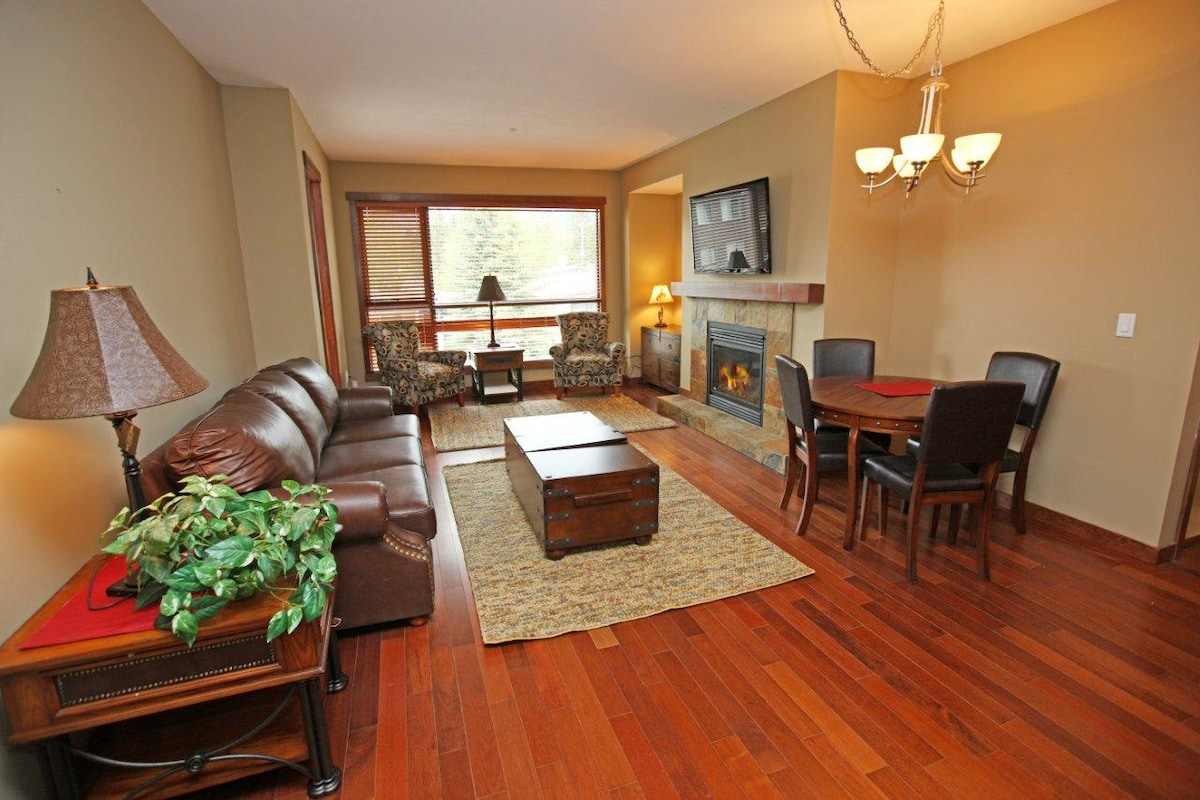 Large Living space with fire and flat screen