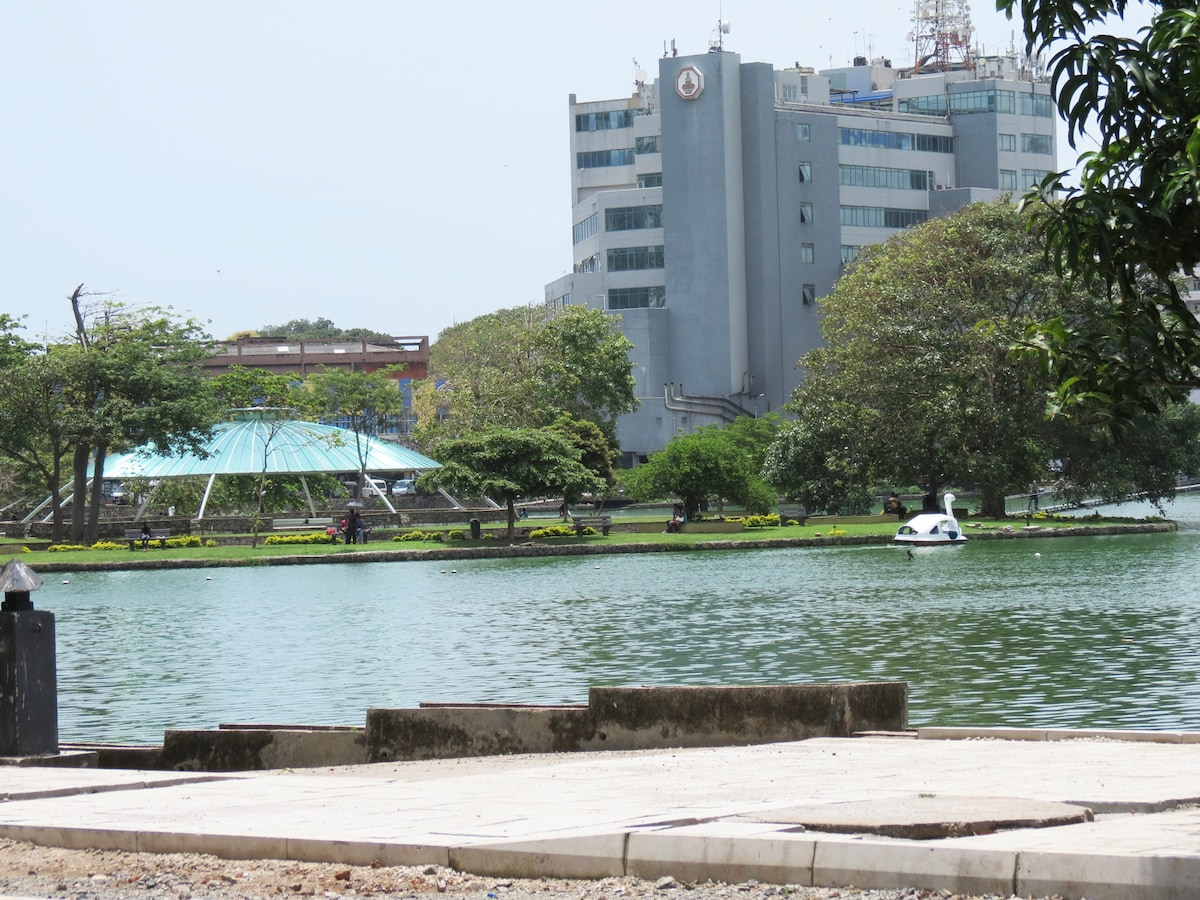 Island in the middle of Beira Lake, within walking distance from Zak Residences