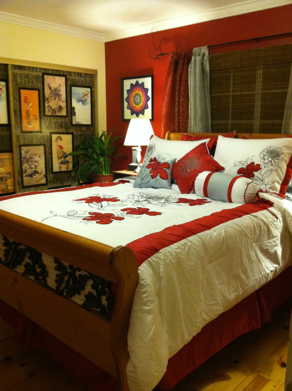"""Overview of the """"Japan"""" bedroom, queensize triple quilt top mattress, pine floors, 100% cotton sheets- very clean, very quiet, VERY comfy!!"""
