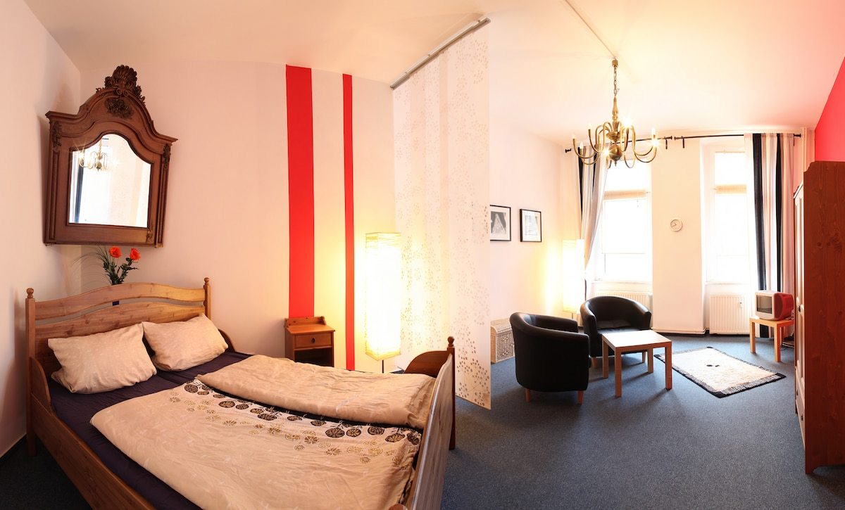 Great Room in Berlin City Center