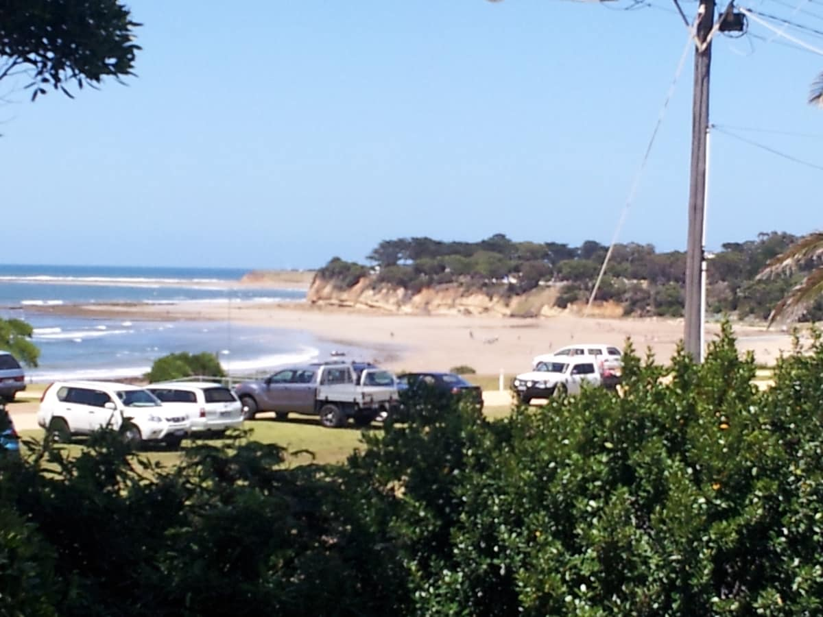 Absolute Beachfront Accom Torquay