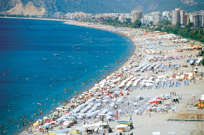 Konyaalti beach in summer