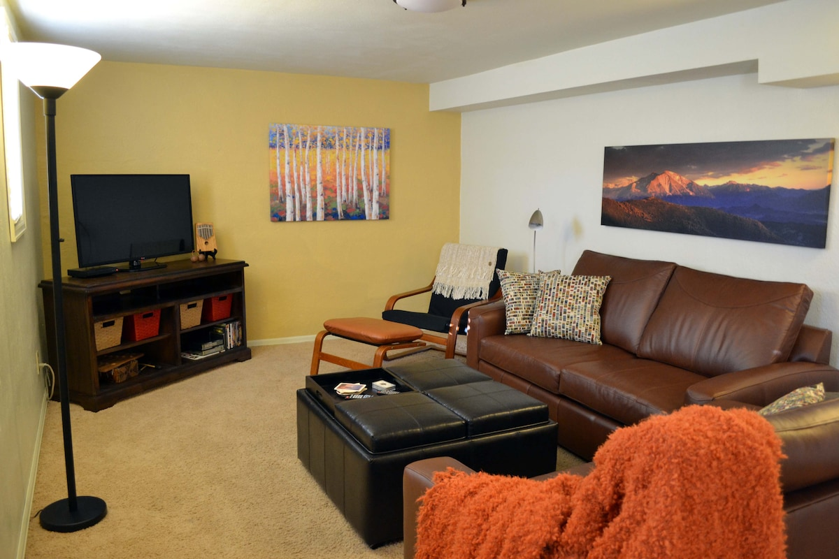 inviting english basement apartment in colorado springs
