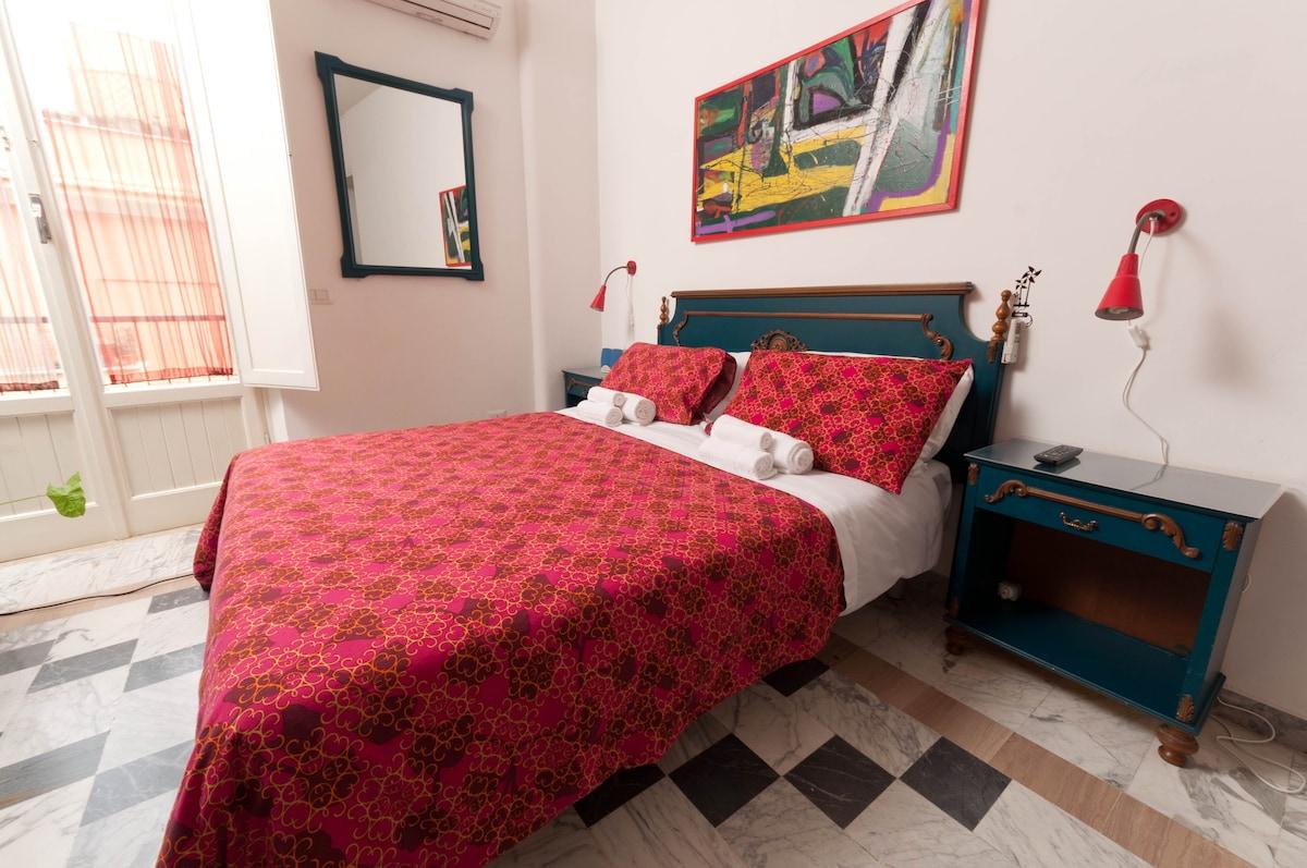 Family Room, terrace, WiFi, en suite bath, air conditioning - LICENSED B&B auth. n. 7675 del 30/6/09