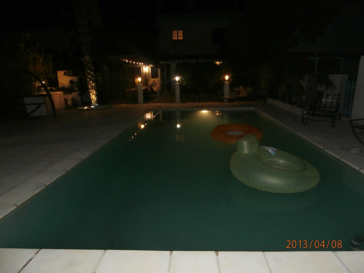 villa proche de la mer avec piscine