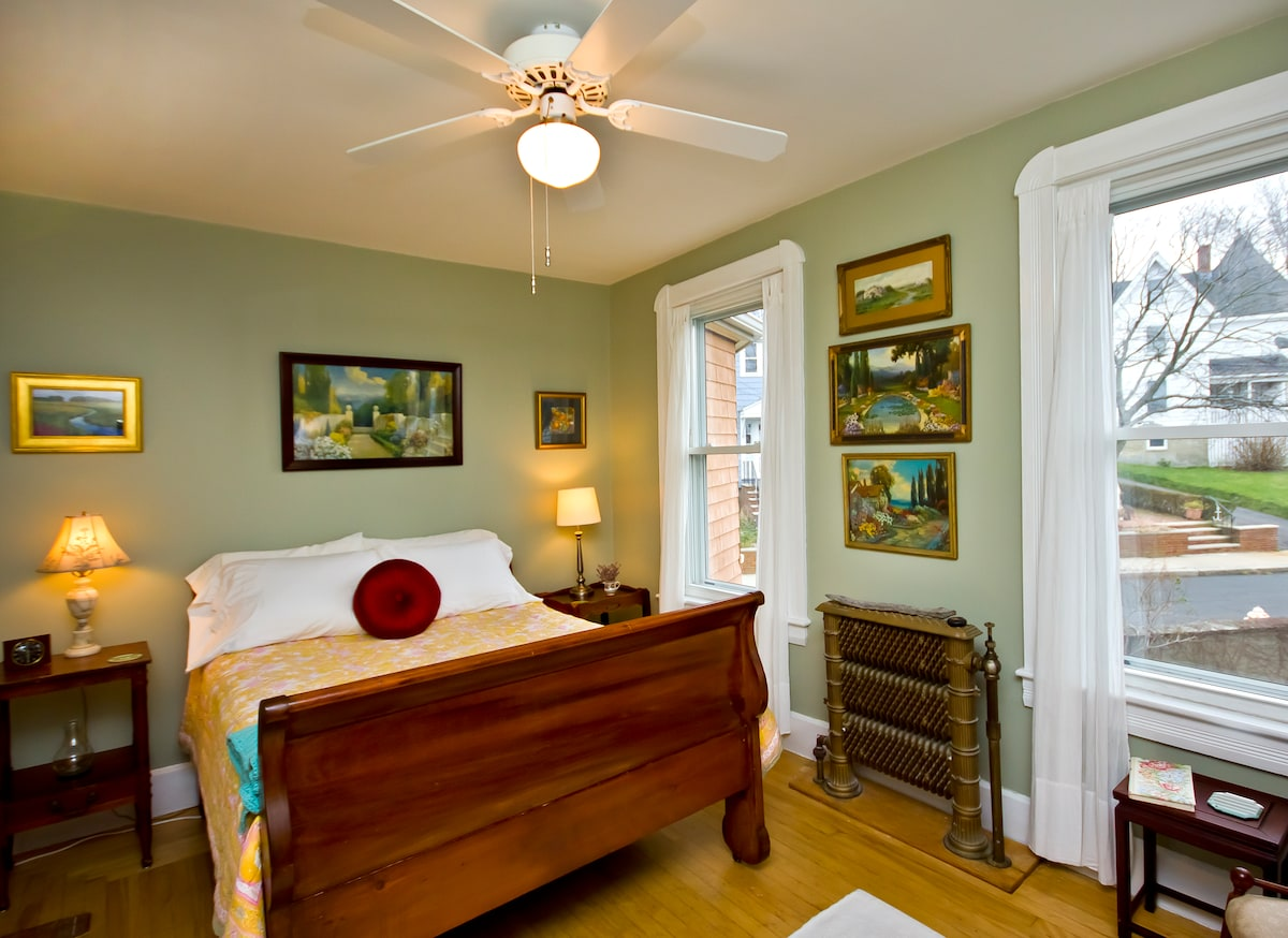 Cozy Room with one double bed