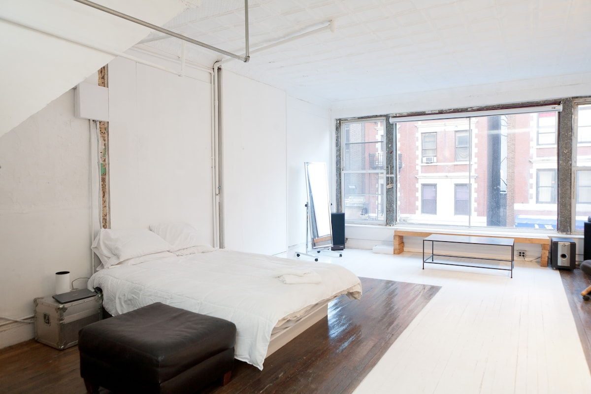 Loft apartment - Sunny Open & Arty