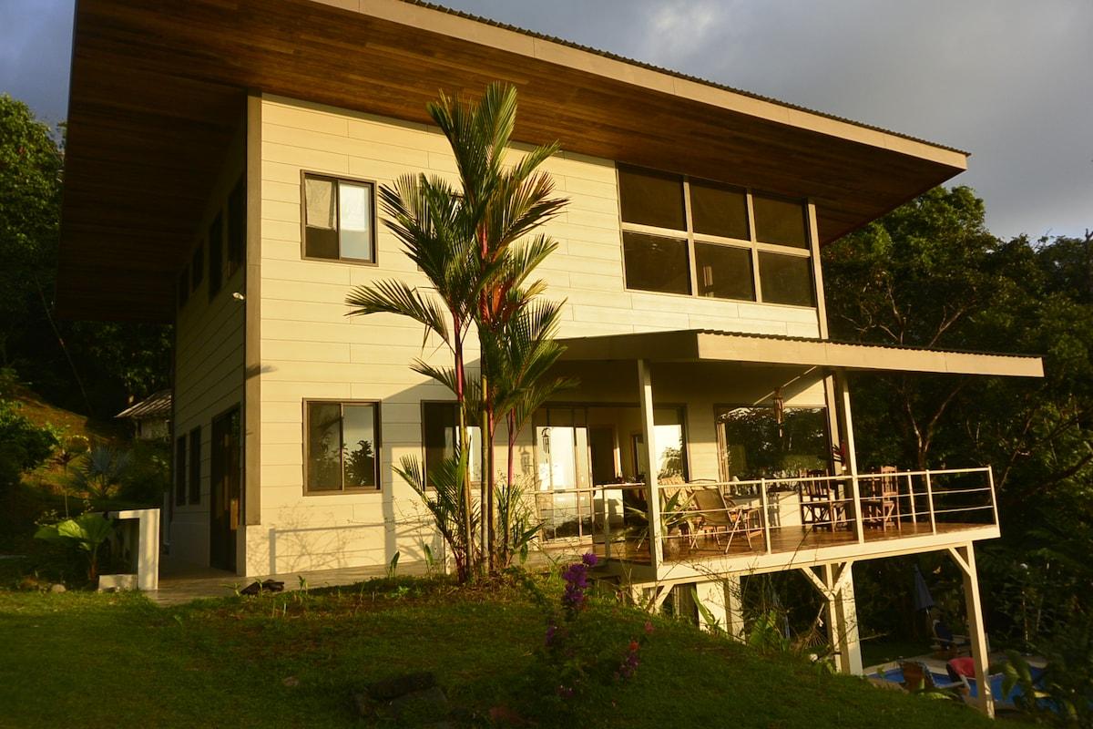 NEW Villa-Retreat; ocean views&pool