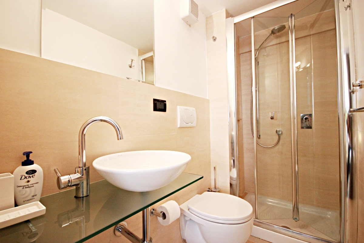 Vintage Suite w/ Private Bath & AC