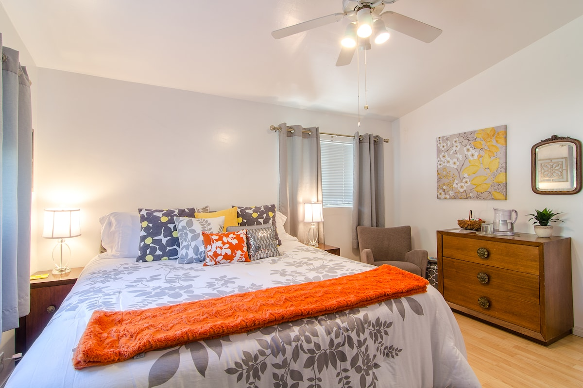 Master Bedroom suite with Cal-King Bed and seating