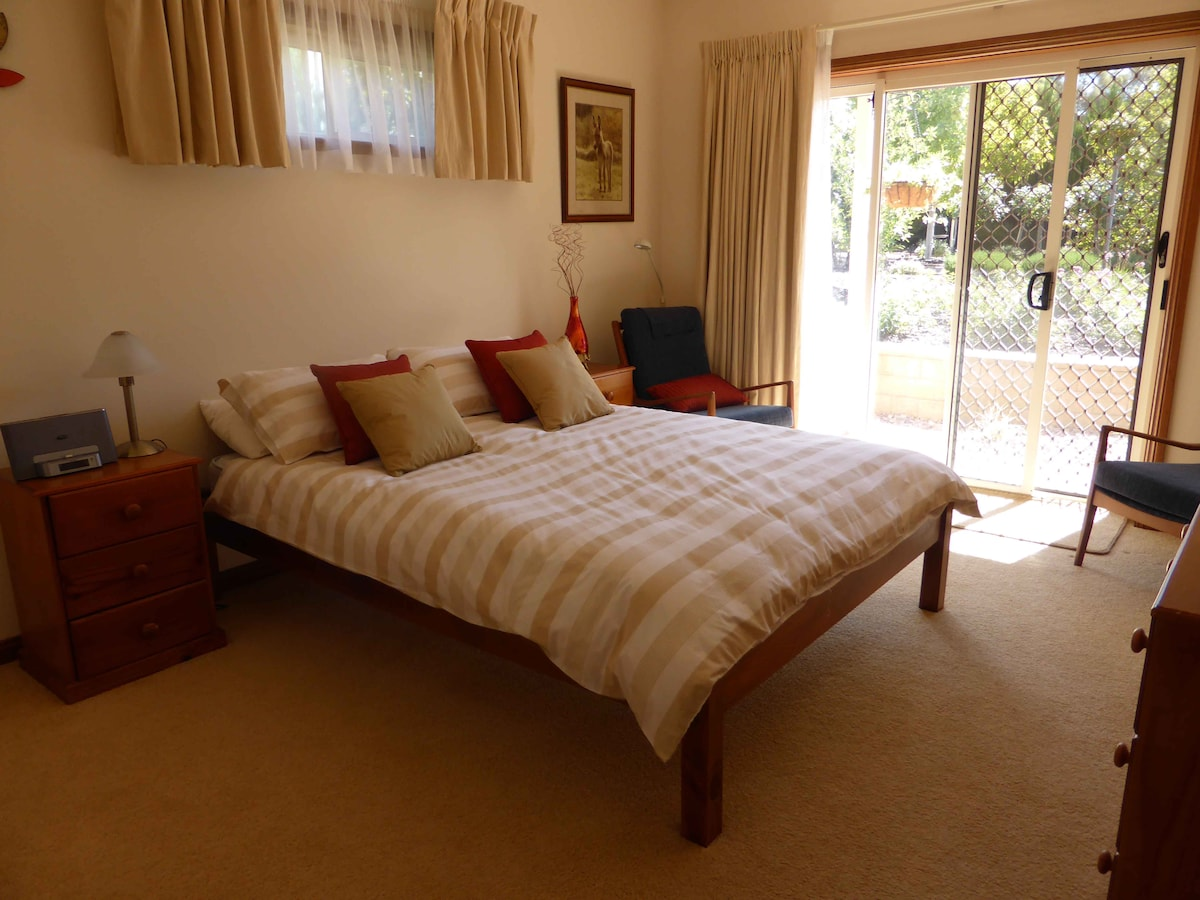 GREAT ROOM IN THE BAROSSA VALLEY